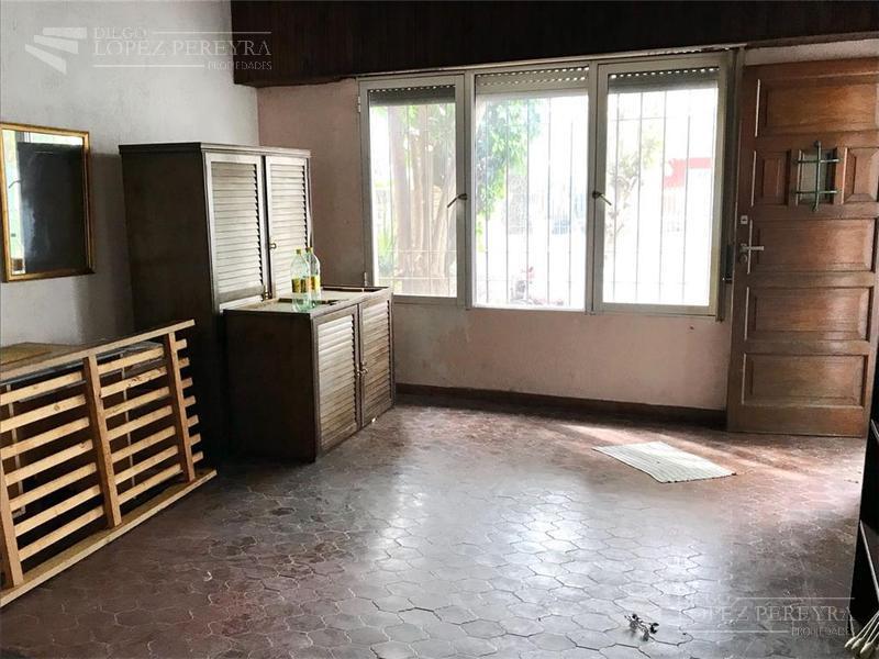 Foto Casa en Venta en  Olivos-Maipu/Uzal,  Olivos  Carlos Gardel al 2500