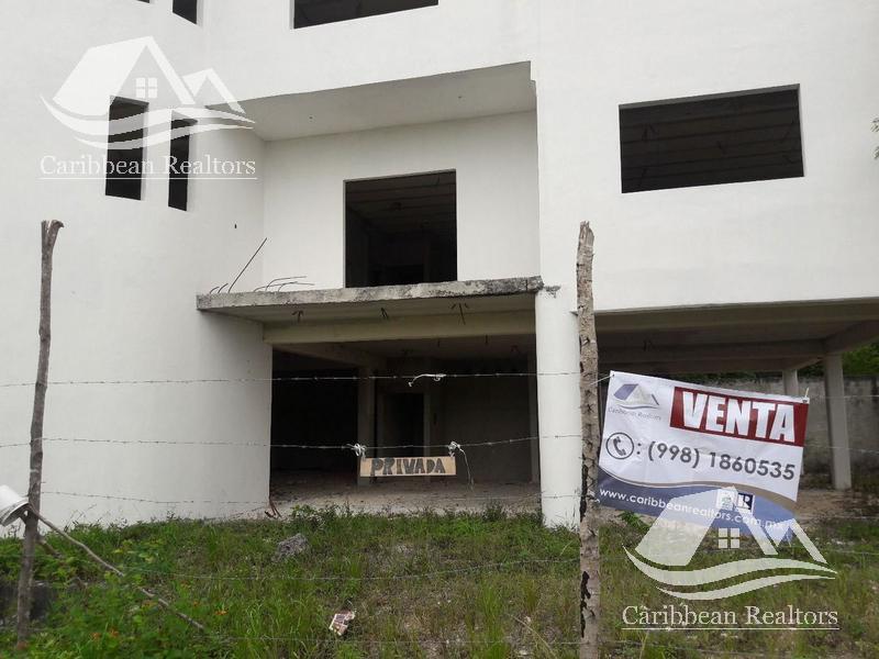 Foto Edificio Comercial en Venta en  Supermanzana 312,  Cancún  Edificio en venta en Cancún