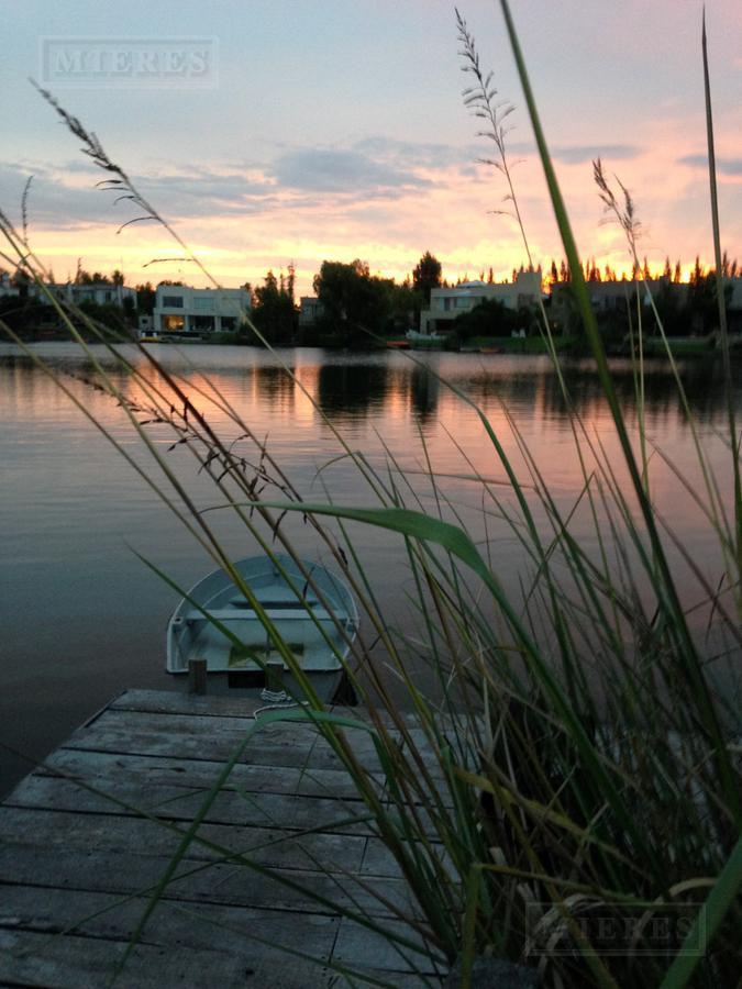 La Laguna - Lote al agua