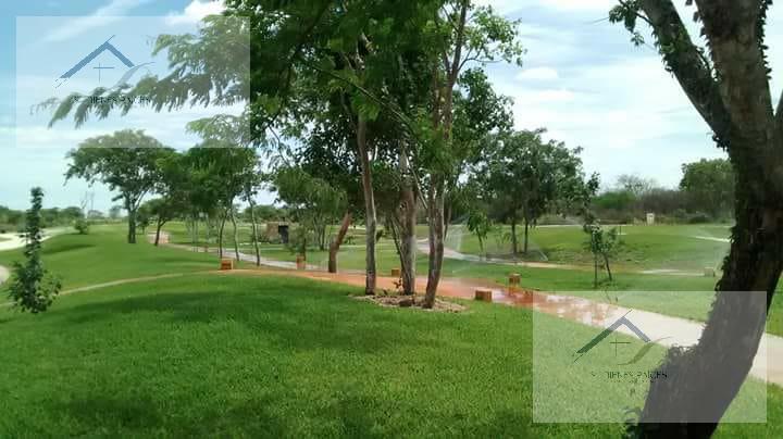 Foto Casa en Venta en  Fraccionamiento parque central,  Mérida  Privada Residencial Parque Central, Casa en Venta con cuarto de servicio con baño completo.