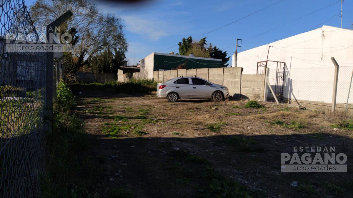 Foto Terreno en Venta en  Los Hornos,  La Plata  143 e 50 y 52