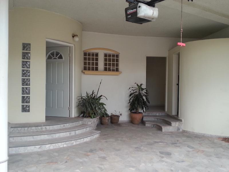 Foto Casa en Renta en  El Castaño Sur,  Distrito Central  Townhouse Residencial Castaños Sur Circuito Cerrado Tegucigalpa Honduras