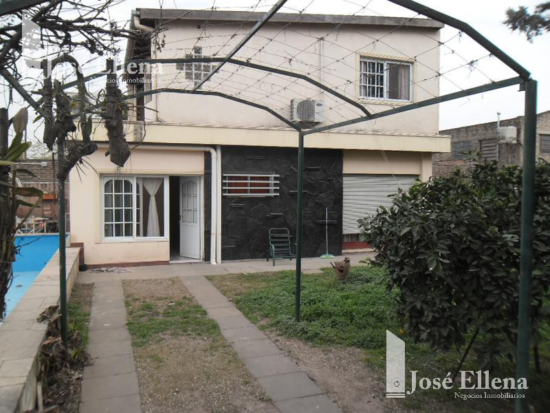 Foto Casa en Venta en  Villa Gobernador Galvez,  Rosario  jf kennedy al 700