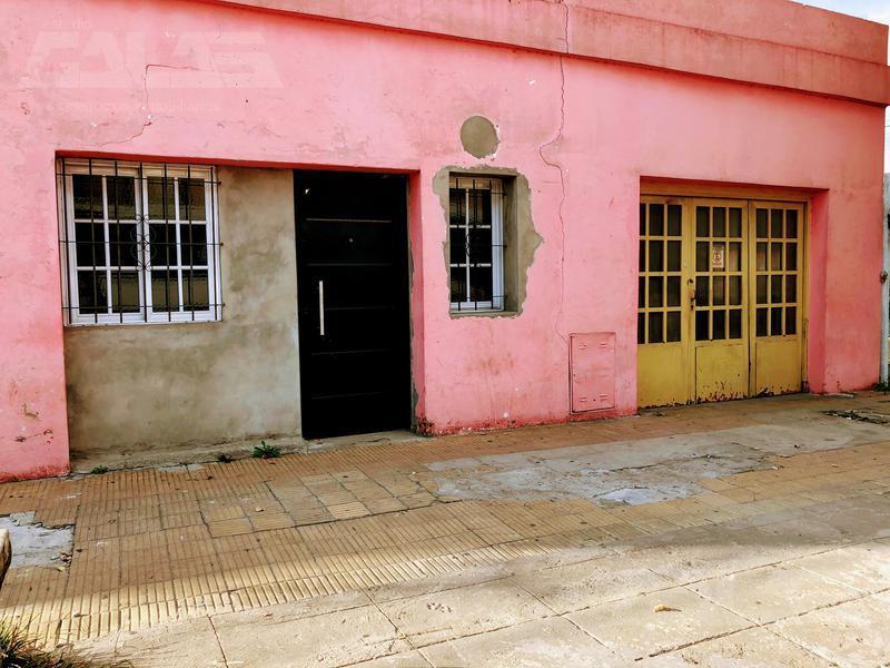 Foto Casa en Venta en  Merlo ,  G.B.A. Zona Oeste  Balbin al 1100