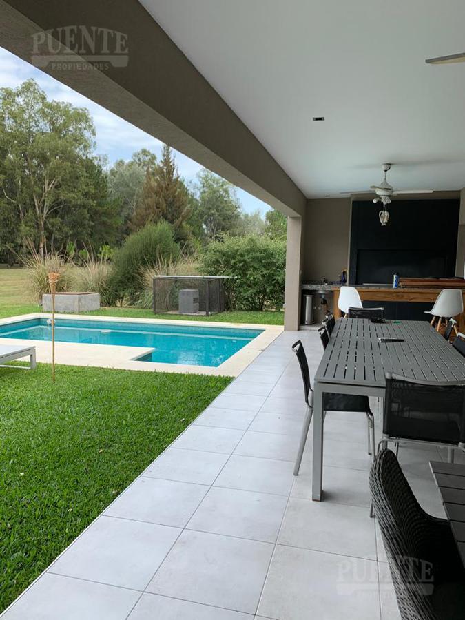 Foto Casa en Alquiler | Venta en  Saint Thomas,  Countries/B.Cerrado (E. Echeverría)  St. Thomas Oeste