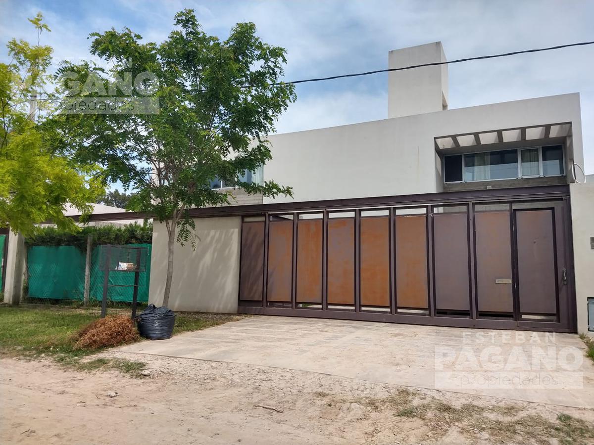Foto Casa en Venta en  Joaquin Gorina,  La Plata  490 e 132 y 133