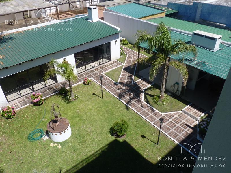 Foto Departamento en Alquiler en  Rinconada,  Piriápolis  Excelente ubicación, frente al mar