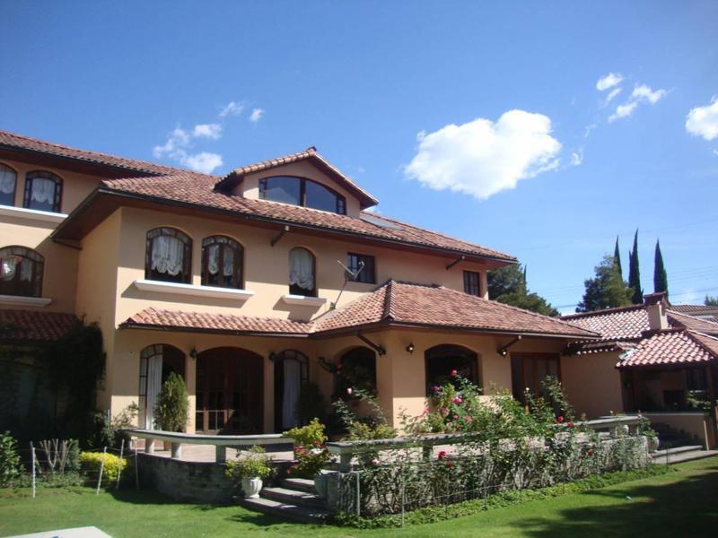 Foto Casa en Venta en  Cumbayá,  Quito  USFQ