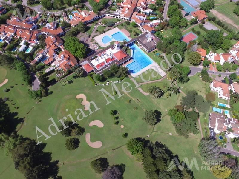Foto Casa en Venta en  Aranjuez,  Countries/B.Cerrado (Escobar)  Aranjuez C.C. , alt. Panamericana km 46,5, acceso Campana