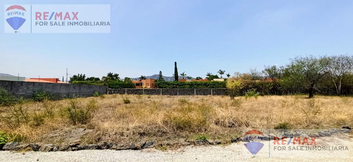 Foto Terreno en Venta en  Centro Jiutepec,  Jiutepec  ¡Atención Constructores! Terreno en el Centro de Jiutepec…Clave al 3200
