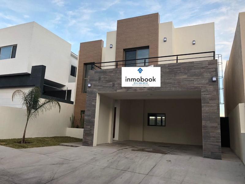 Foto Casa en Venta en  Fraccionamiento parque central,  Mérida  AV. TOMAS VALLES
