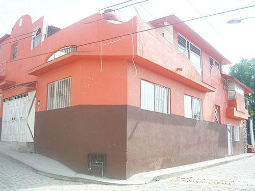 Foto Edificio Comercial en Venta en  Barrio San Juan,  Tequisquiapan  Propiedad con potencial de negocio (rentas), cerca del centro