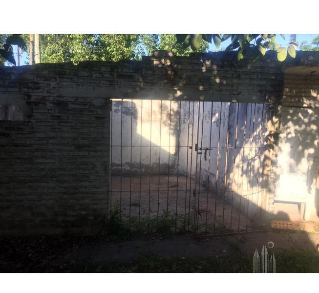 Foto Terreno en Venta en  Moreno ,  G.B.A. Zona Oeste  Roma al 2000
