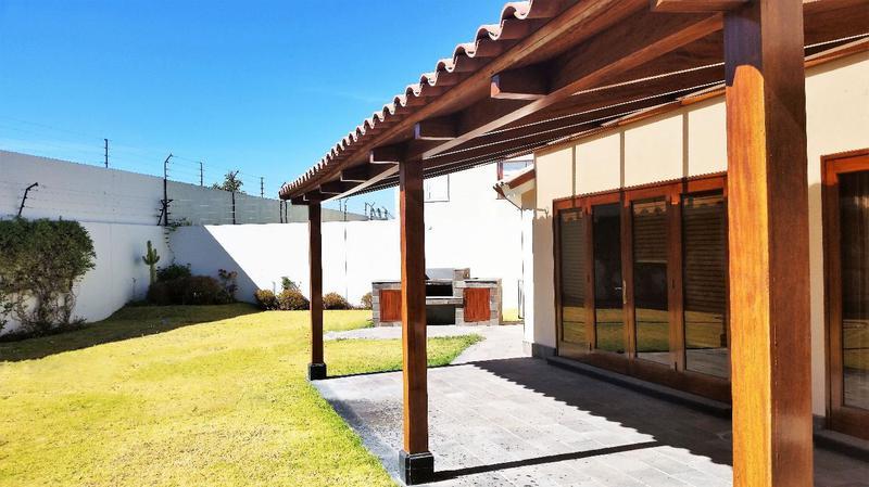 Foto Casa en Alquiler en  Cerro Colorado,  Arequipa  CASA LOS MOLLES