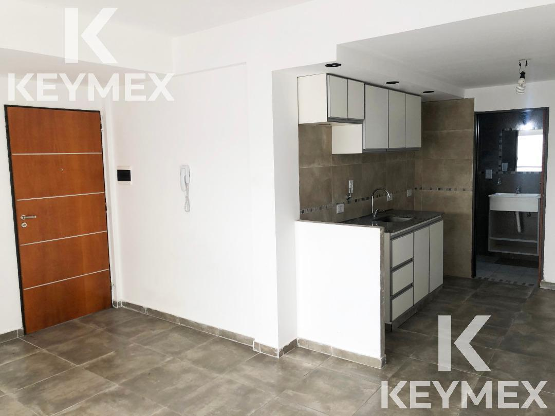 Foto Departamento en Venta | Alquiler en  La Plata ,  G.B.A. Zona Sur  Monoambiente con patio en 19 entre 34 y 35