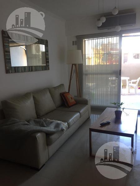 Foto Departamento en Venta en  Liniers ,  Capital Federal  Hermoso Dto. 2 amb. 51 Mts2 con patio de 35 Mts2