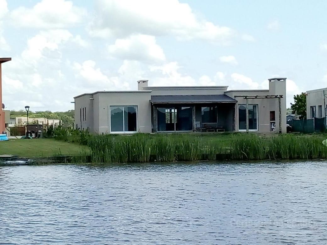 Foto Casa en Alquiler en  El Canton - Islas,  Countries/B.Cerrado (Escobar)  El Canton Islas a la LAGUNA!!