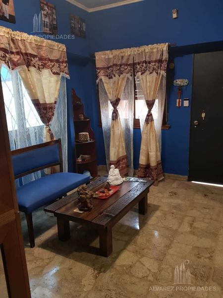 Foto Casa en Venta en  Caseros,  Tres De Febrero  Potosí al 2100