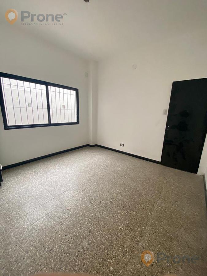 Foto PH en Venta en  Refinerias,  Rosario  Vélez Sársfield 700  Casa interna de pasillo (NO PH)