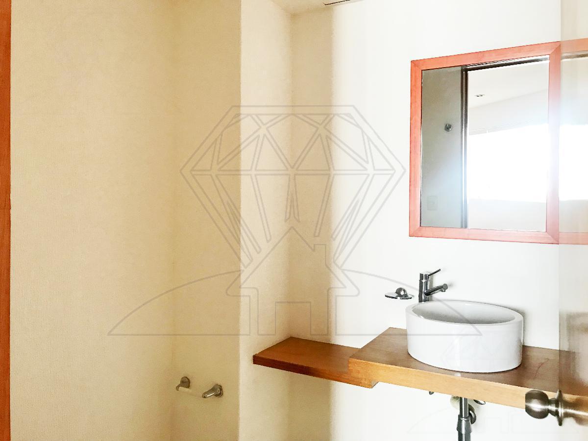 Foto Departamento en Venta en  Hacienda de las Palmas,  Huixquilucan  URGE VENDER! Residencial El Cedro, depto PISO BAJO  en venta, Hda de las Palmas  (MC)