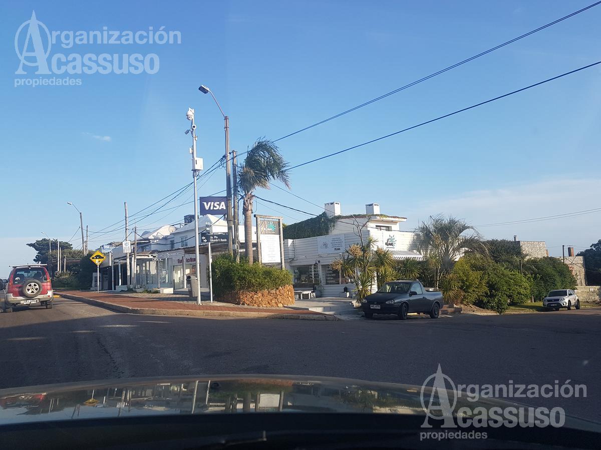 Foto Local en Venta en  La Barra ,  Maldonado  Ruta 10 La Barra