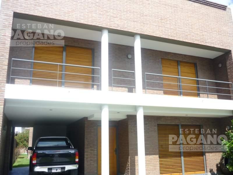 Foto Casa en Venta en  La Plata ,  G.B.A. Zona Sur  36 e 12 y 13