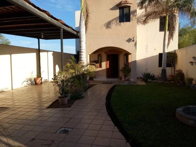 Foto Casa en Venta |  en  Adolfo Ruiz Cortines,  La Paz  CASA CIPRES