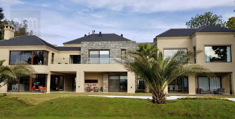 Foto Casa en Venta en  Saint Thomas,  Countries/B.Cerrado (E. Echeverría)  Saint Thomas Oeste Doble Lote