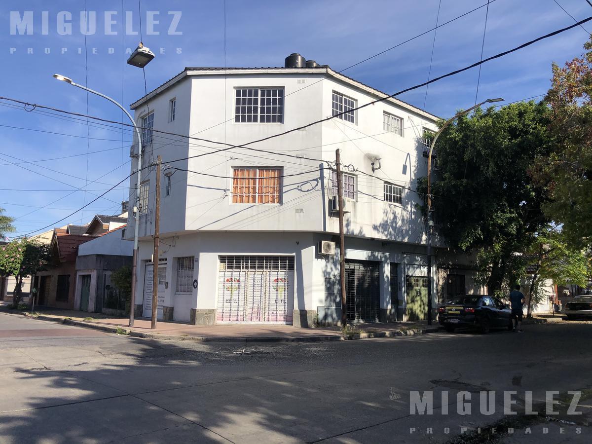Foto Departamento en Venta en  Lanús ,  G.B.A. Zona Sur  DAMONTE 1408, 2do B