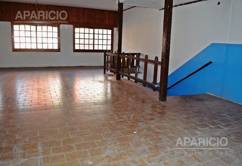 Foto Local en Venta en  La Plata,  La Plata  10 entre 45 y 46