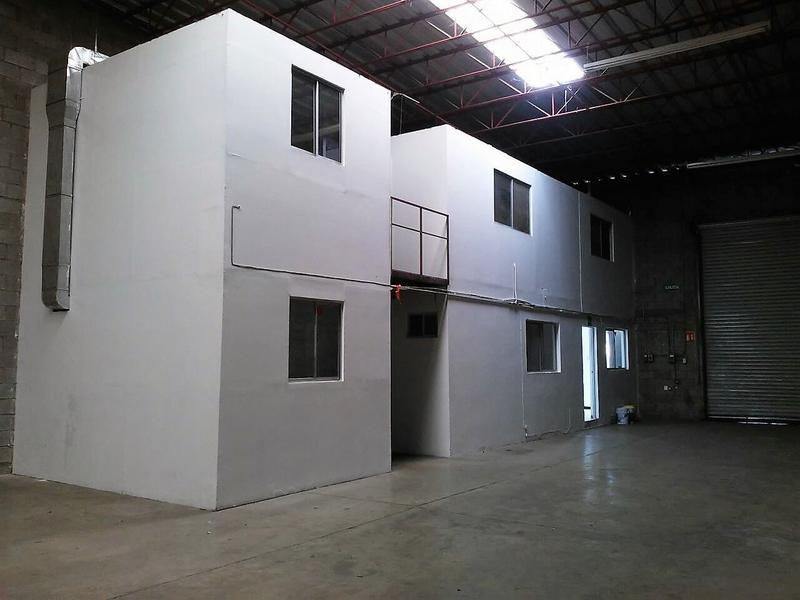 Foto Bodega Industrial en Renta en  Deportistas,  Chihuahua                BODEGAS EN RENTA CON OFICINAS Y ESTACIONAMIENTO  AL NORTE CERCA DE AVE TECNOLÓGICO