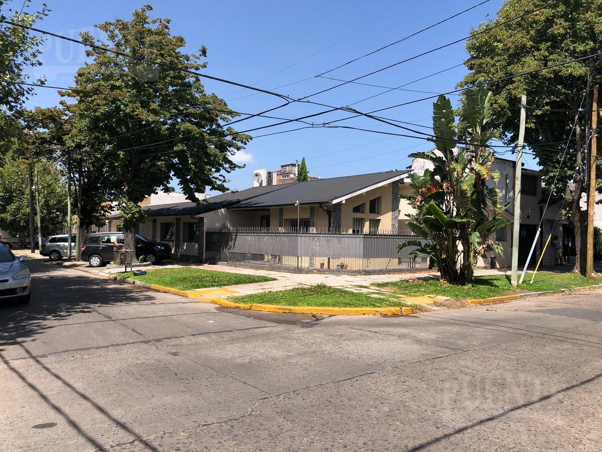 Foto Casa en Alquiler en  Lomas de Zamora Oeste,  Lomas De Zamora  Larrea 892