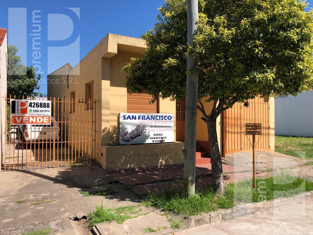 Foto Galpón en Venta |  en  Independencia,  San Francisco  CARLOS BOERO ROMANO al 400