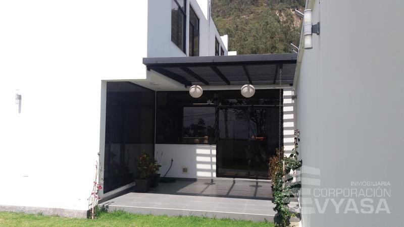 Foto Casa en Venta en  Nayón - Tanda,  Quito  CUMBAYA - TANDA, EXCLUSIVA CASA EN VENTA  DE 275,00 M2, EN CONJUNTO CERRADO