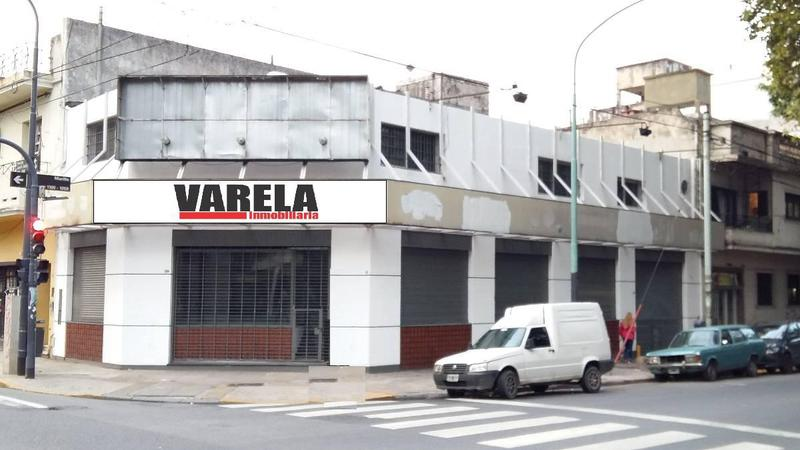 Foto Local en Venta en  Villa Crespo ,  Capital Federal          Juan B Justo 2800