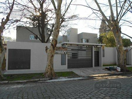 Foto Casa en Venta en  Adrogue,  Almirante Brown  LA ROSA 1053