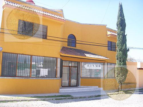 Foto Edificio Comercial en Venta en  La Magdalena,  Tequisquiapan  Atención inversionistas