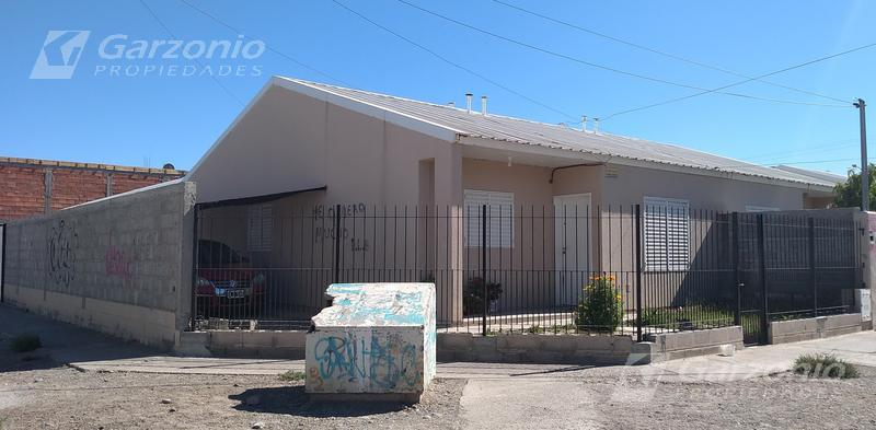 Foto Casa en Venta en  Trelew ,  Chubut  Cambrin al 900