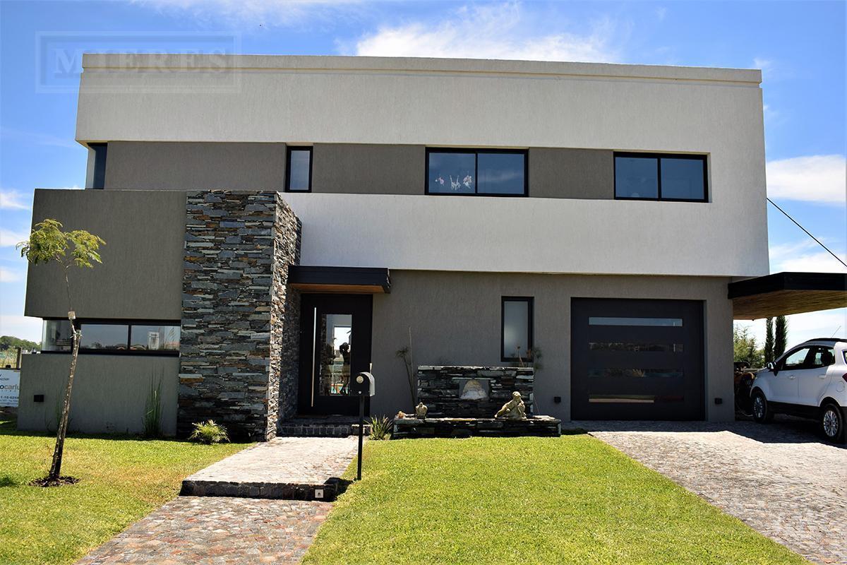 casa en venta en San Matias  Area 1