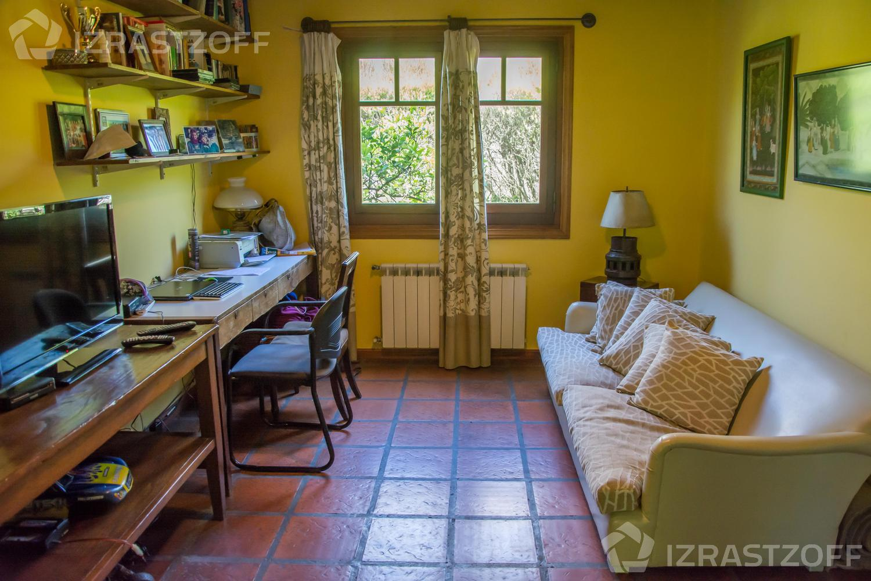 Casa--Ayres de Pilar-Ayres de Pilar