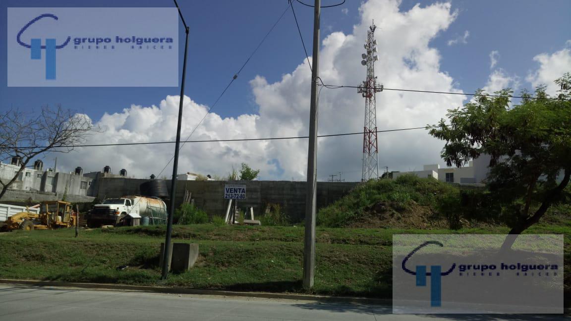 Foto Terreno en Venta en  Fraccionamiento Alejandras,  Tampico   TR-141 TERRENO EN VENTA O RENTA SOBRE AVENIDA RIBERA DE CHAMPAYAN TAMPICO TAMAULIPAS