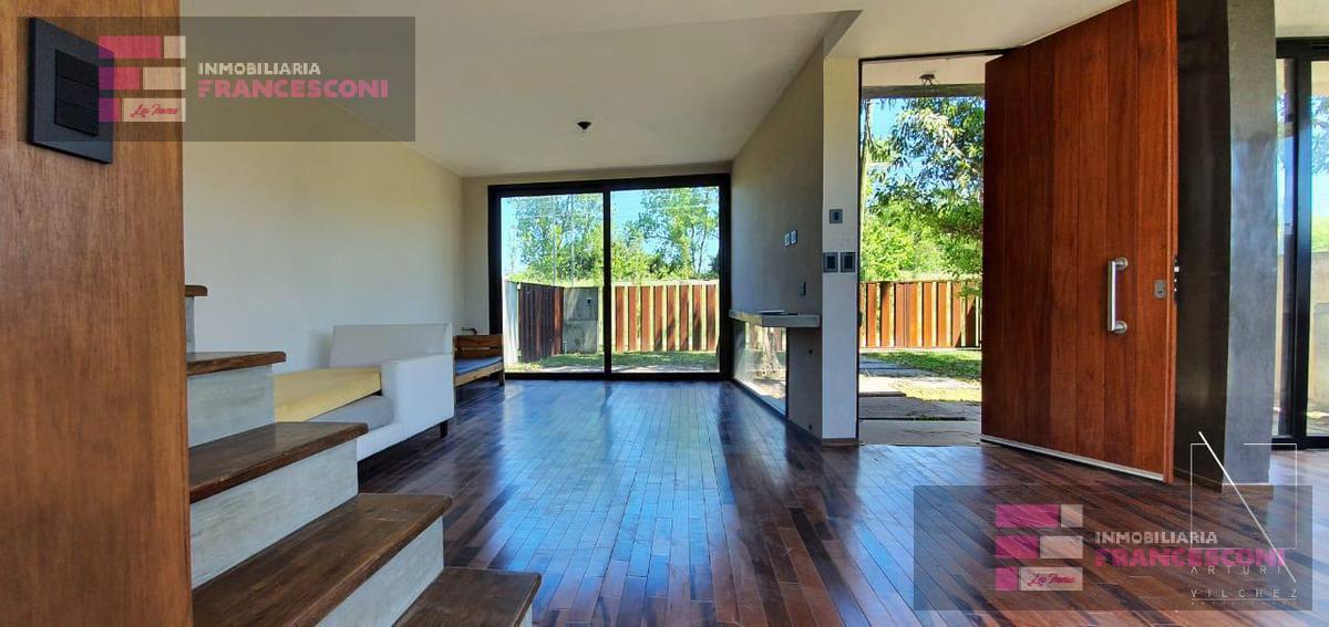 Foto Casa en Venta en  City Bell,  La Plata  13c 458 y 459
