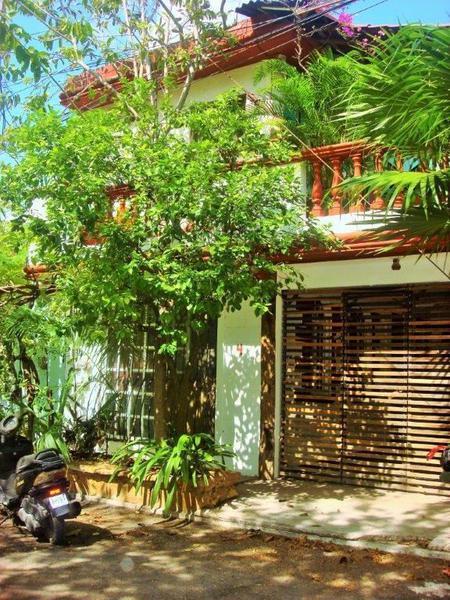 Foto Casa en Venta en  Playa del Carmen ,  Quintana Roo  Casa con 3 departamentos en venta en Centro Playa del Carmen P1888
