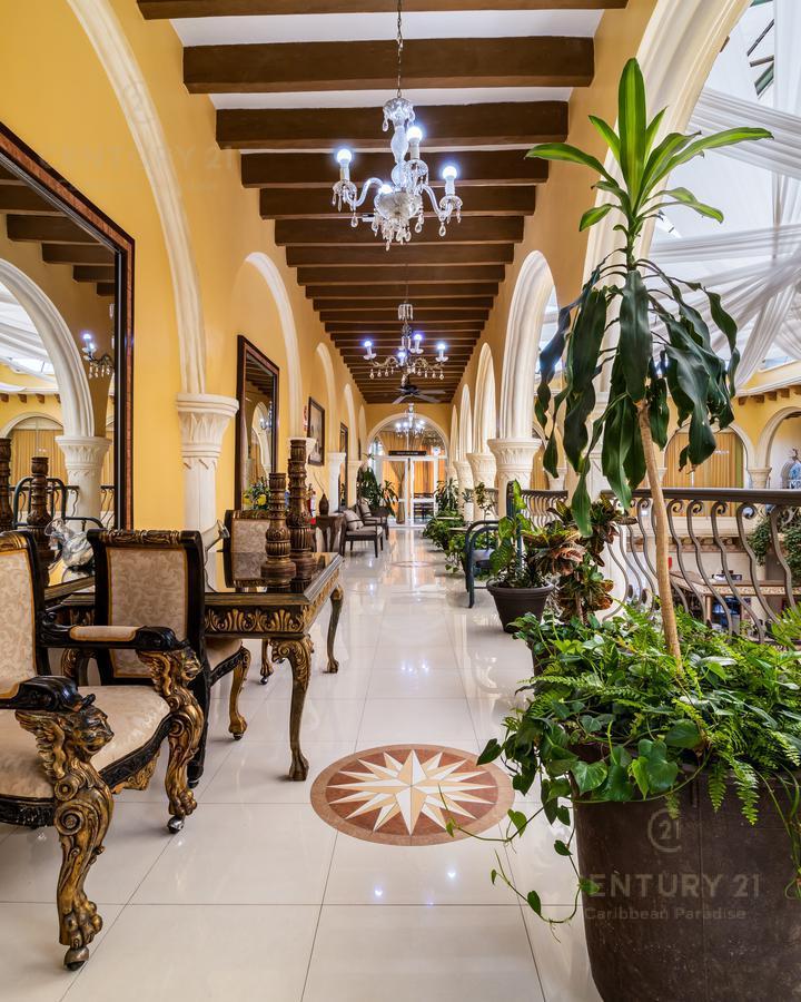 Rafael Lucio Hotel for Venta scene image 4