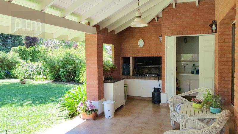 Foto Casa en Alquiler temporario en  El Rocio,  Countries/B.Cerrado (E. Echeverría)  El Rocio