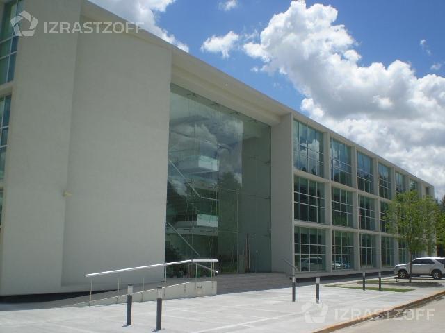 Oficina-Alquiler-Pilar-Edificio Skyglass- Ayres Vila