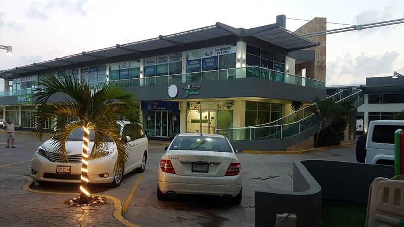 Foto Local en Venta en  La Riviera Veracruzana,  Alvarado  Local comercial en venta en Plaza Veleros. RIVIERA VERACRUZANA