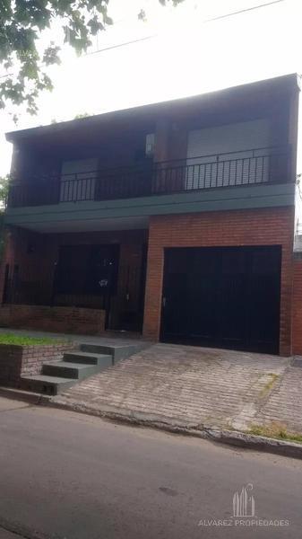 Foto Casa en Venta en  V.Maipu,  General San Martin  Echeverria al 2900