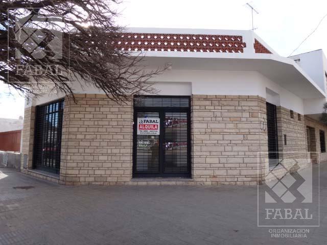 Foto Local en Alquiler en  Manuel  Belgrano,  Capital  Libertad 106 - Centro Bajo