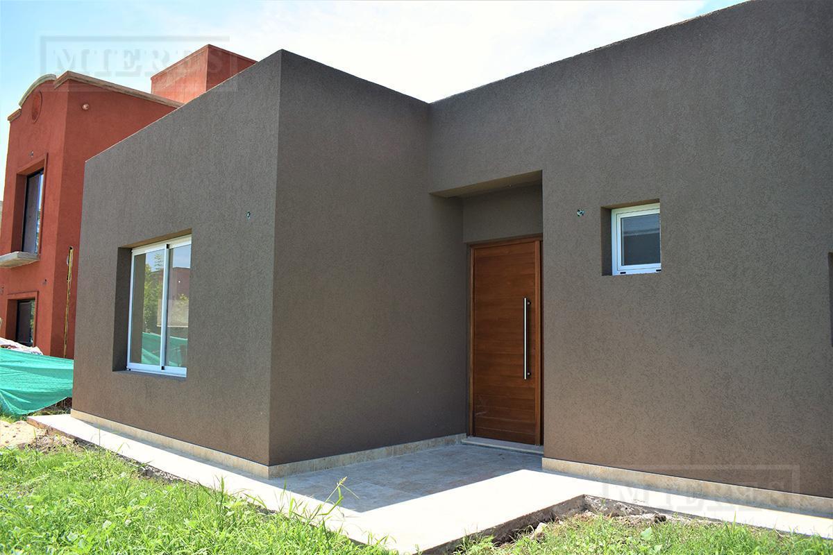 MIERES Propiedades- Casa de 150 mts en Pilar del Este- Santa Guadalupe